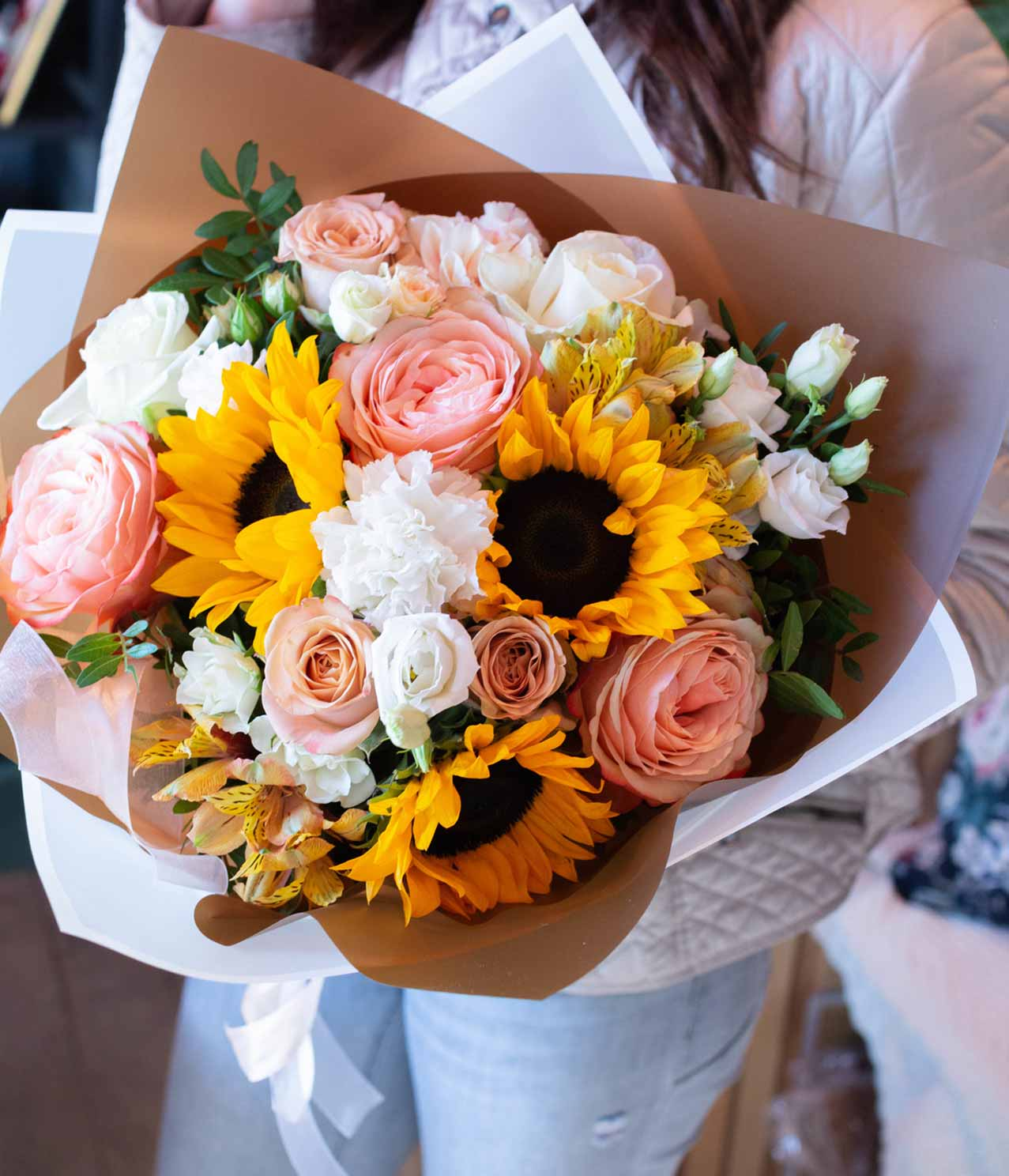Large mixed sunflower rose bouquet - Flower delivery BangkokFlower ...