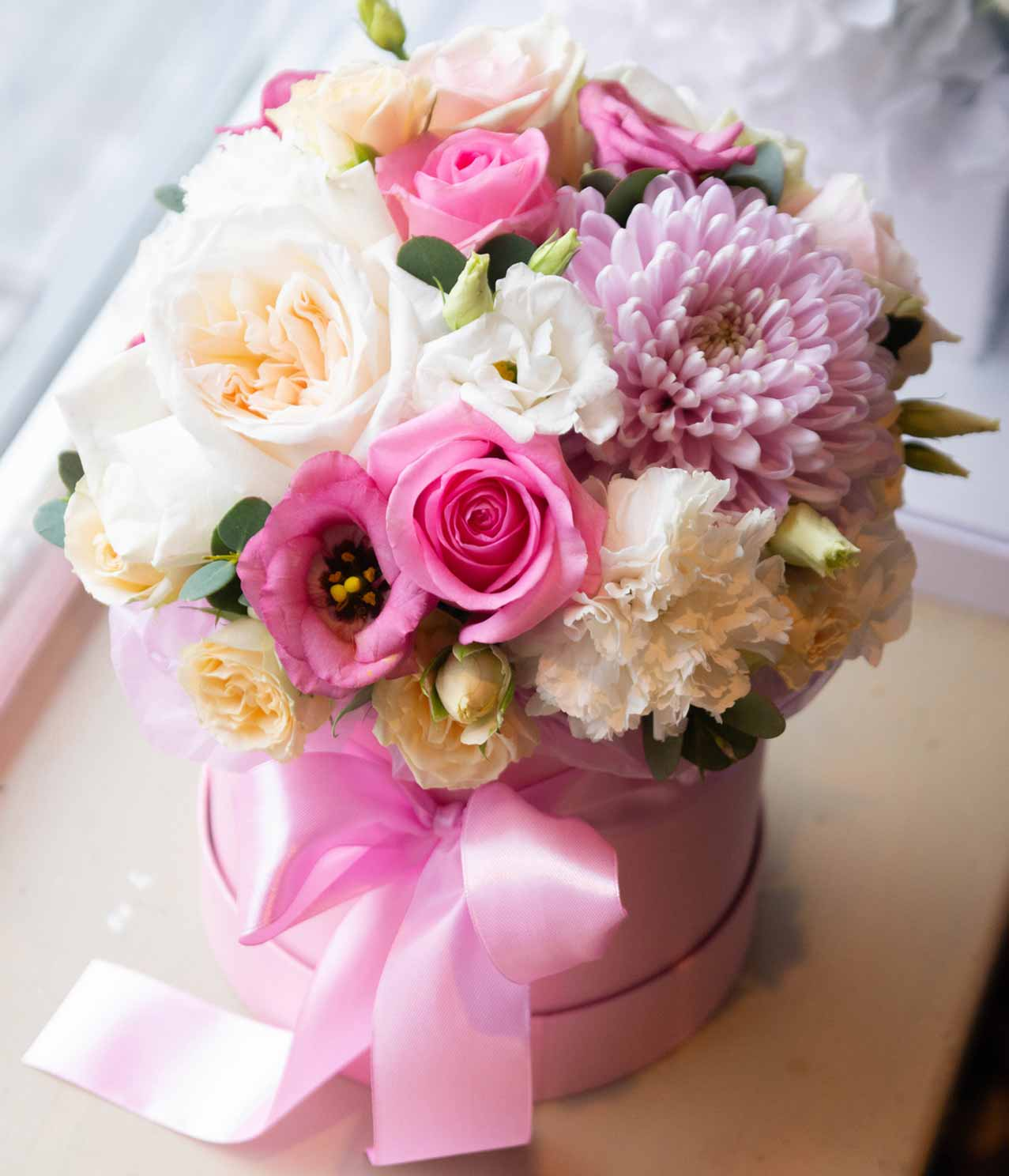 pink white mixed flower gift box